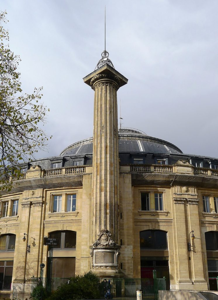 La Columna Medici de París con Nostradamus de por medio