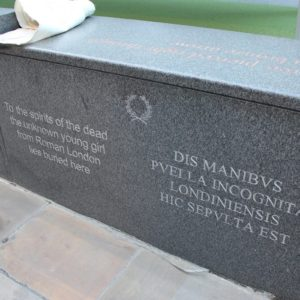 Busca la tumba de la chica romana desconocida en Londres