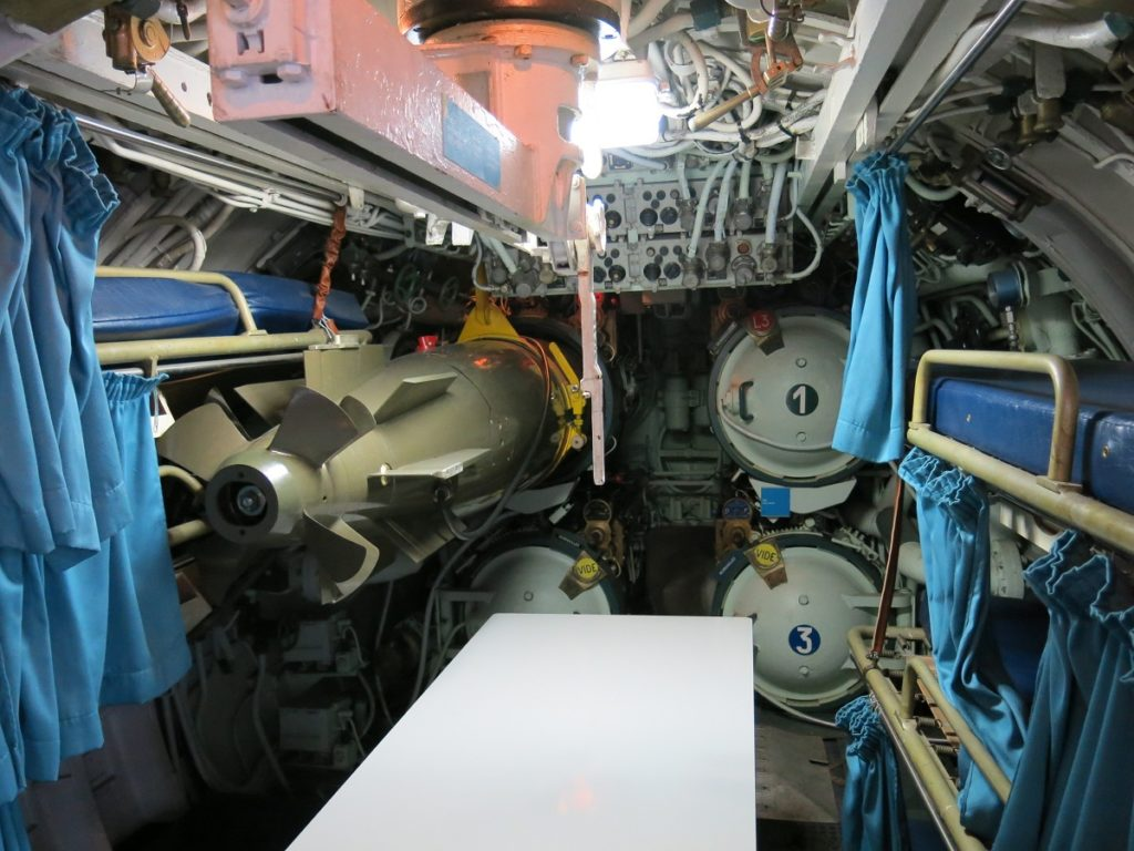 Museo del submarino Argonaute: arriba periscopio (en el centro de París)