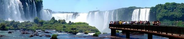Las Cataratas del Iguazú desde el lado brasileño.