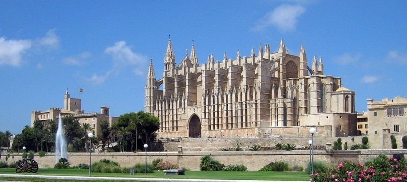 Catedral de Palma Wikipedia Commons by Sir James