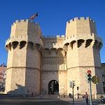 Puerta de Serranos Wikipedia Creative Commons by Felivet