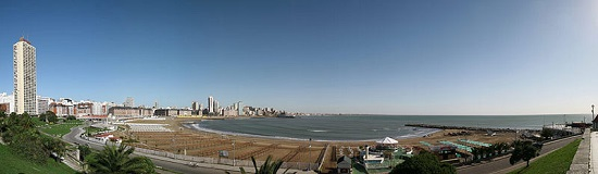 Playa Bristol en Mar del Plata Wikipedia Commons by Heitpress
