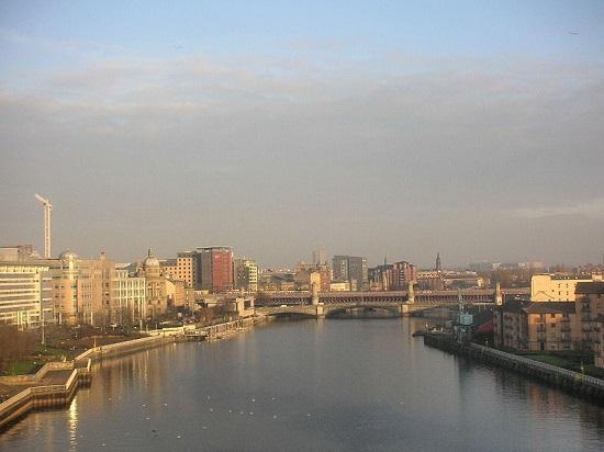 El río Clyde a su paso por Glasgow.