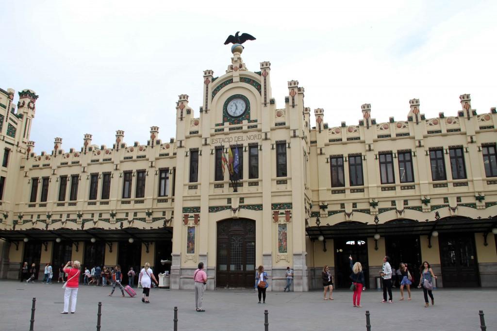 Fachada de Estación del Norte © CostaFotografo.es