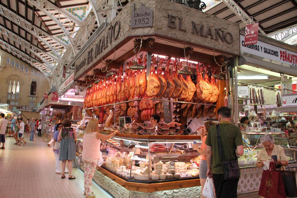 Jamones del Mercado Central de Valencia © CostaFotografo.es