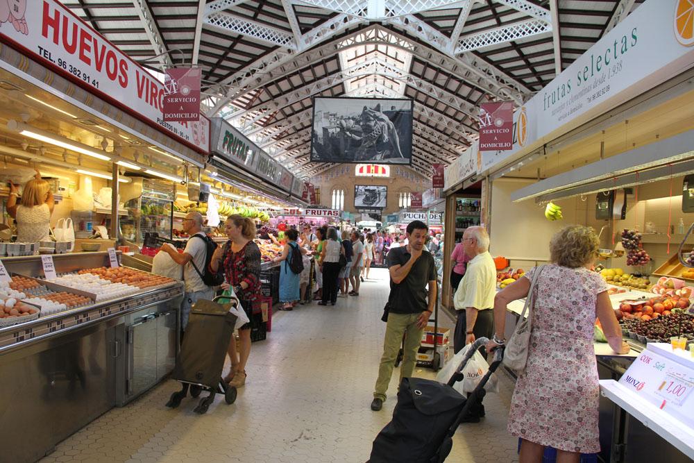Puestos en el Mercado Central de Valencia © CostaFotografo.es