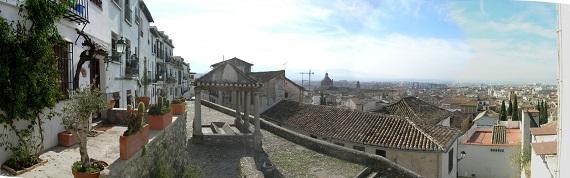 Placeta de la Puerta del Sol en El Realejo de Granada.