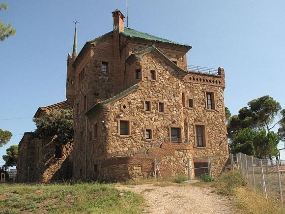 Casa del Maestro, Colonia Güell.