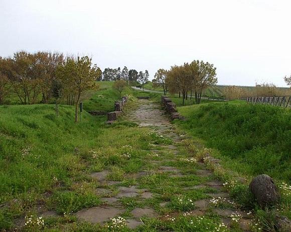 Vía romana en Ponte Loreto.