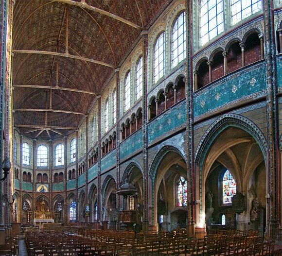 Interior de la Iglesia de Saint-Aignan de Chartres.