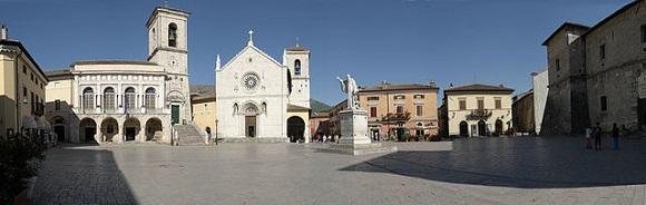 Norcia, Piazza di San Benedetto.