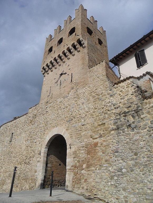 Puerta de San Agustín en Montefalco.