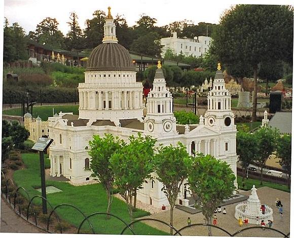 Catedral de San Pablo en Legoland Windsor.