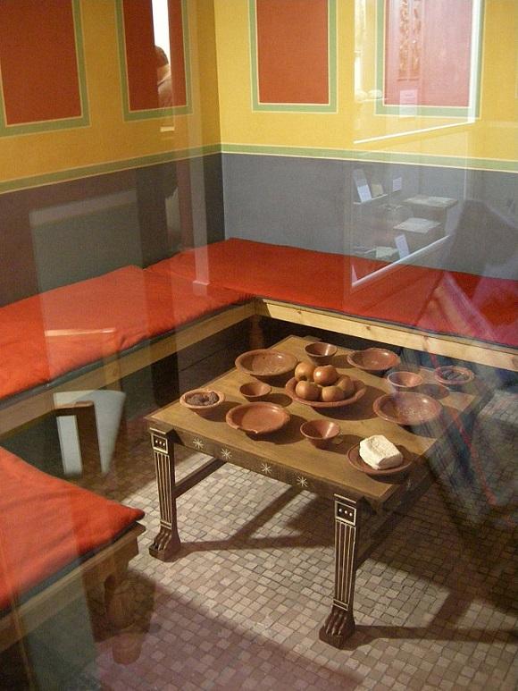 Reconstrucción de una habitación de una casa romana Museo Romano de Canterbury.