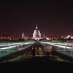 Millenium Bridge Wikipedia Commons by Sumple