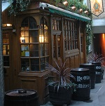 Ye Olde Mitre Pub Wikipedia Commons by Row17