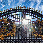 Buckingham Palace Flickr Creative Commons by Nicholas Schooley