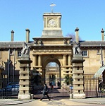 Royal Mews Wikipedia Commons by Thomas Nugents
