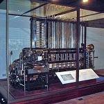 Máquina diferencial del Museo de la Ciencia de Londres Wikipedia Commons by Joe D