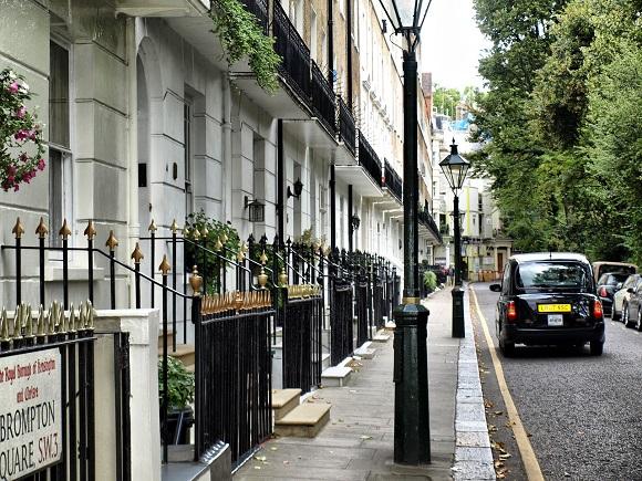 Londres y sus taxis negros.