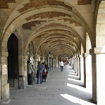 Place des Vosges Wikipedia Commons by Griffindor