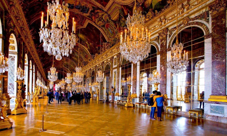 z Château de Versailles , galerie des glaces.jpg
