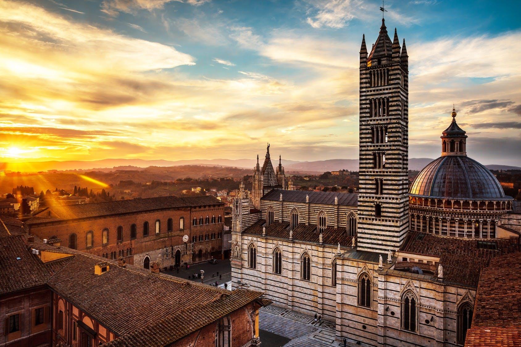 Siena cathedral view_Fotolia.jpg